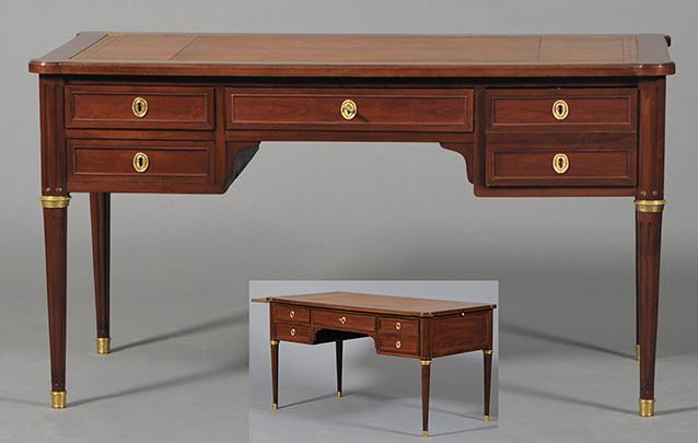 Espace de travail minimaliste en bois bureau t